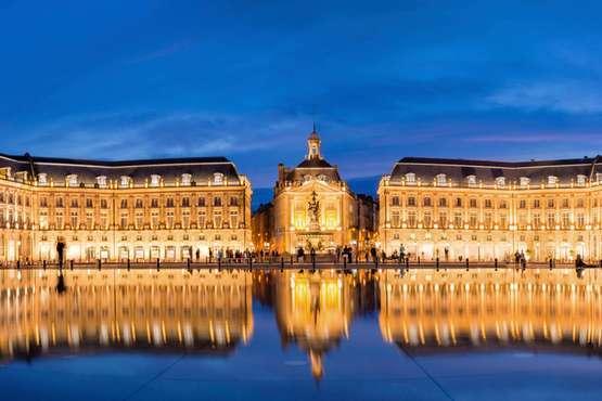 Place de la Bourse © Delphotostock - Fotolia.com
