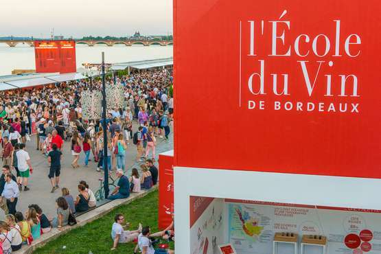 Weinfest in Bordeaux © Vincent BENGOLD