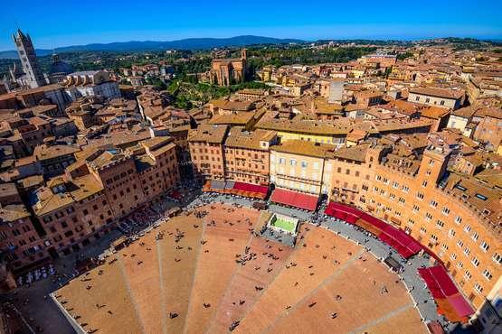 Siena, San Gimignano with wine tasting