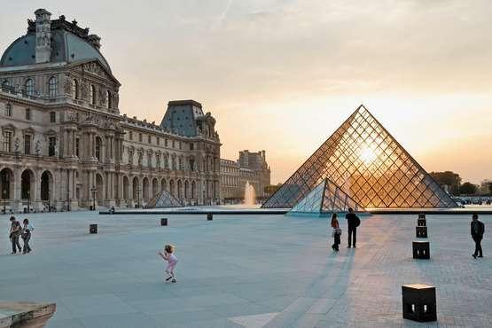 Frankreich - Pyramide du Louvre © Atout France/Maurice Subervie