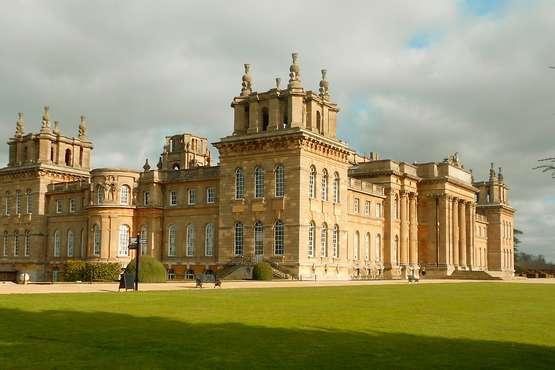 Blenheim Palace, Downton Abbey Village & Cotswolds