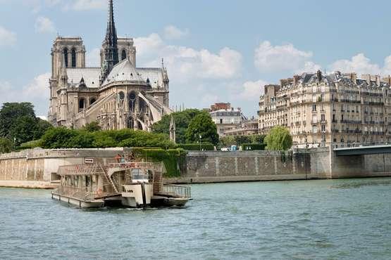 Boat trip on river Seine – Paris