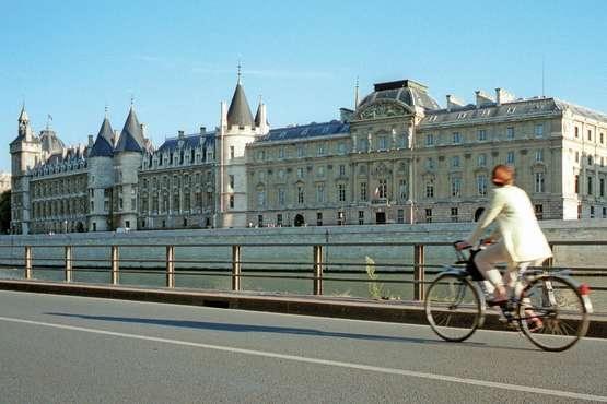 Das Herz von Paris mit dem Velo