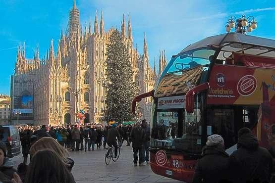 Hop-on Hop-off City Tour – Milan