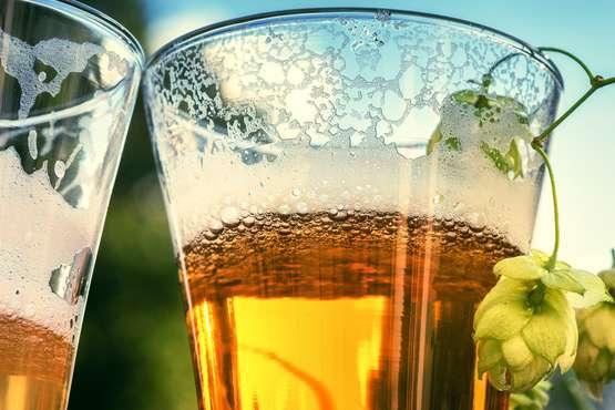 Bierhallen und Brauereien