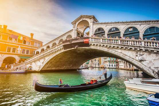 An afternoon in the Rialto quarter