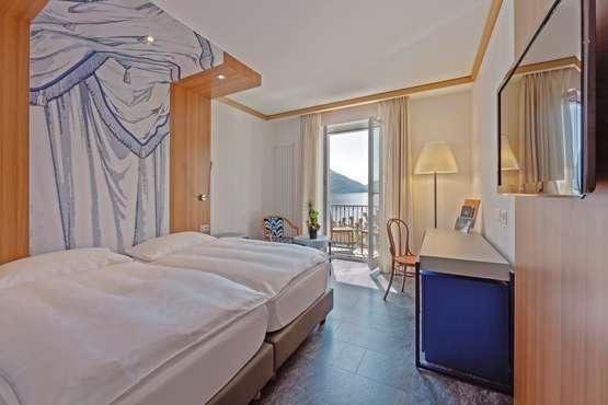 Hotel Carcani