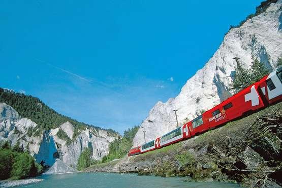 Glacier Express St. Moritz – Zermatt – St. Moritz