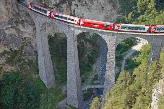 Glacier Express St. Moritz – Zermatt