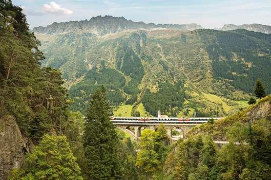 Gotthard Panorama Express Luzern – Rigi – Vitznau/Weggis – Lugano/Locarno