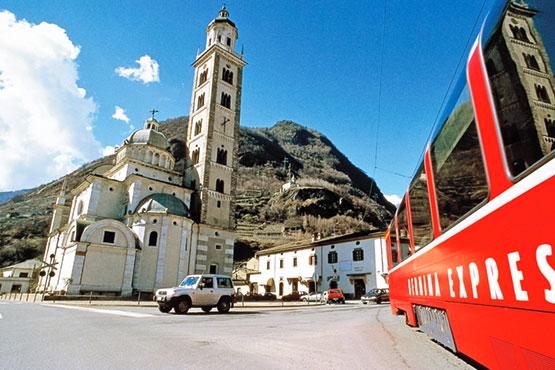 Gewinnen Sie für zwei Personen eine unvergessliche Fahrt über die höchste Bahntransversale der Alpen inklusive 1 Übernachtung in Tirano im Wert von ca. CHF 800.-