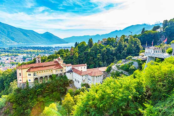 Palms and glaciers, dolce vita and extreme sports, historic churches and modern architecture - in Ticino, contrasts merge into a harmonious whole.