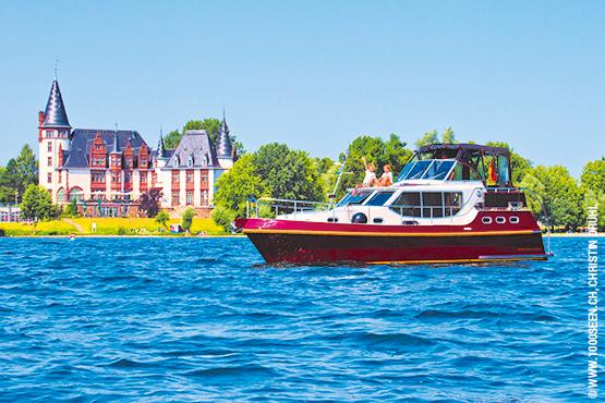 Die Mecklenburgische Seenplatte bietet Ihnen Ferien mit vielen Erlebnissen und Überraschungen. Über 1'000 natürliche Seen bilden das grösste geschlossene Seengebiet Europas, mittendrin die Müritz, Deutschlands grösster See.