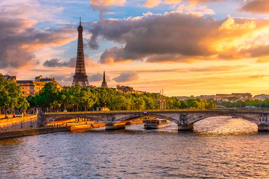Ob Romantiker, kulturell Interessierte oder Shoppingbegeisterte... Eine Städtereise nach Paris ist ein Muss! Mit dem TGV ab Basel erreichen Sie die Hauptstadt Frankreichs in nur 3 Stunden und schon befinden Sie sich mitten in der Stadt der Liebe!