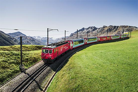 Durant votre voyage en groupe, laissez-vous transporter par le train express le plus lent du monde.